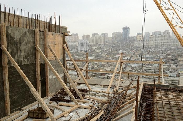 http://www.the-great-house.com/pics/Penthouse_Baku_Azerbaijan___3.jpg